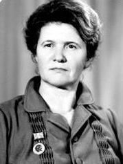 В.М.Синявская, возглавляла библиотеку с 1968 по1986г.